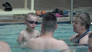 4 laida – Pirmoji plaukimo pamoka